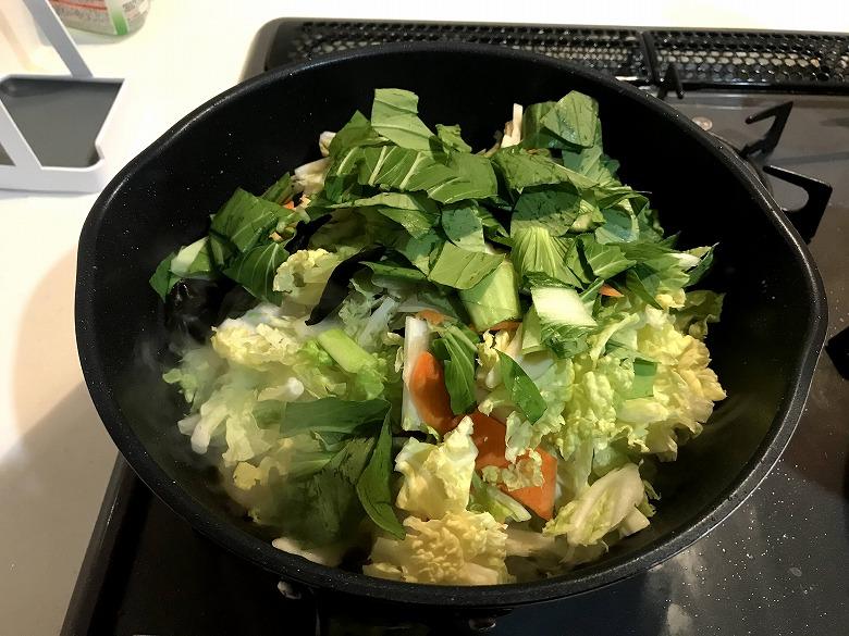 ミールキット9品目の八宝菜(海老・帆立・いか)野菜入れた