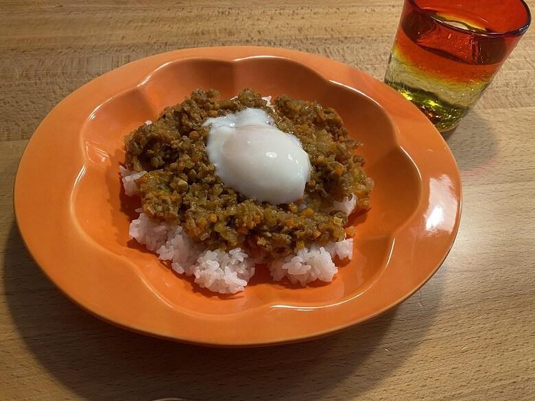 「コープデリミールキット1/3日分野菜が摂れる半熟玉子のドライカレー」完成