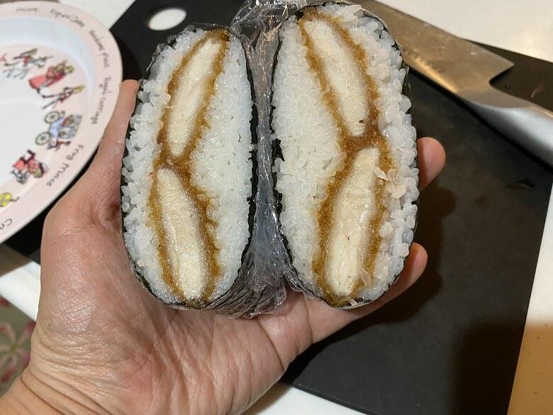 コープデリ「甘辛チキン南蛮カツ」レビュー おにぎらずキャベツなしバージョン
